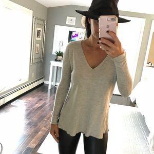 BABATON x Aritzia Gray V neck sweater XXS